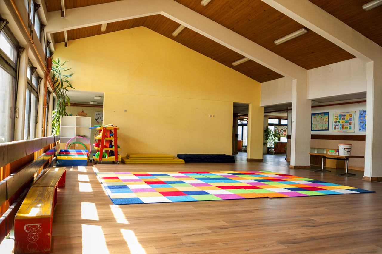 Велика просторија за заједнички боравак и игру
